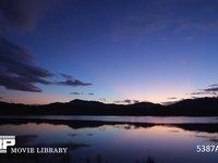 湖畔の朝 微速度撮影 暗い時間から日の出まで 高速バージョン 60fps サンプル動画は30fps