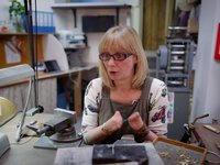 This Master Goldsmith Doesn't Need Fingers To Create Her Artwork