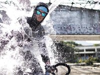2014 4RIZ FIXIE WATERPROOF JACKET | CORVUS