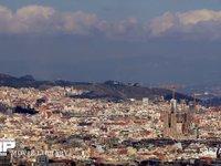 バルセロナ モンジュイック城からの眺め 微速度撮影 スペイン バルセロナ モンジュイック城よりサグラダファミリアを望む(望遠)