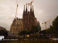 バルセロナ ガウディー建築 サグラダファミリア 微速度撮影 スペイン バルセロナ サグラダファミリア 曇りの日の朝方