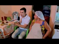 Dona Marluce é a doceira mais famosa de Jaguaruana e nos ensina como preparar a receita de doce de leite.
