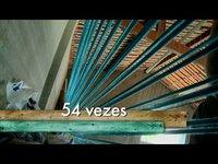 Toda produção é manual e utiliza teares de mais de 100 anos.