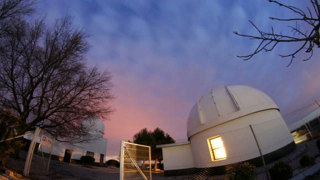 TIMELAPSE: Salida de Luna sobre el Observatorio de La Hita