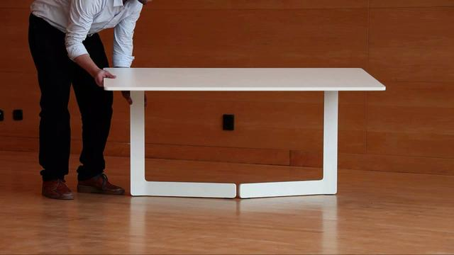 Ola Foldable Table