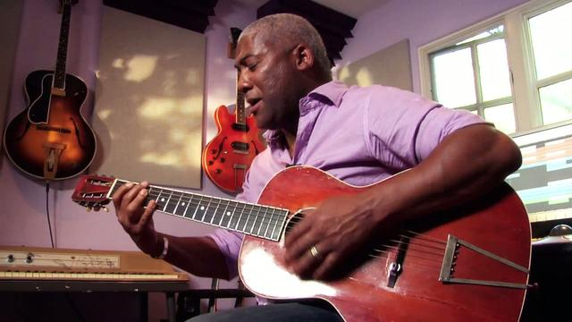 Jonathan Butler - &quot;So Strong&quot; Solo Live Performance