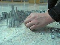 Emphecropolis la ville aux 10 000 agrafes par Peter Root