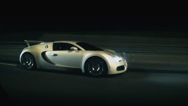 Bugatti Veyron vs Nissan GT-R R35