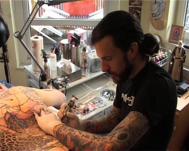 Holy Fox Tattoo - Alex Reinke/TattooArtistMagazine on Vimeo