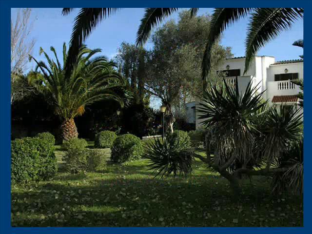 Mallorca casa con parque jard n cerca de palma on vimeo - Casa con jardin ...