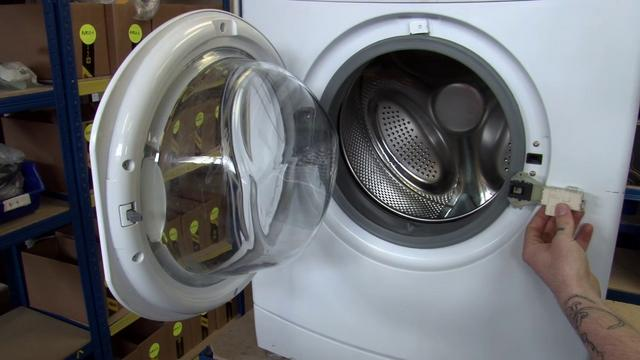 How To Fix A Broken Washing Machine Door Lock Hotpoint