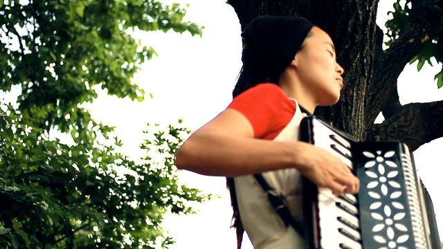 수리수리 마하수리 수리수리 마하수리 - A girl on Altai mountains
