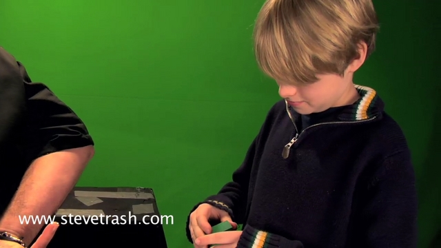 Magical Energy Cube performed by Steve Trash