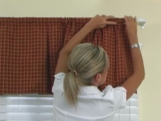 How to Install a Box-Pleat Valance on Vimeo