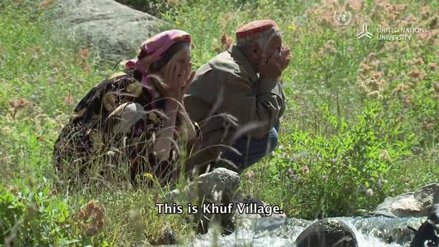 Pamiri women and the melting glaciers of Tajikistan