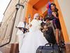 ...была проведена фото и видеосъемка стилизованной гангстерской свадьбы.