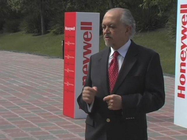 Professor Mario J. Molina: 1995 Chemistry Nobel Prize Recipient