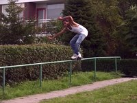 Couple of clips of Grindhouse and Remz flow rider Giorgio Oehlers, busting some moves on the Dutch streets.  Song: Lupe Fiasco (ft. Jay-z) - Pressure