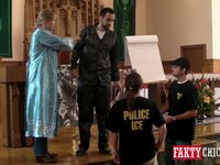 Scena próby aresztowania przez policję imigracyjną cz. 2