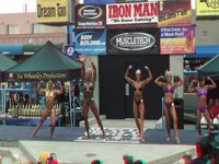 Bikini Competition at Muscle Beach, CA in 3D