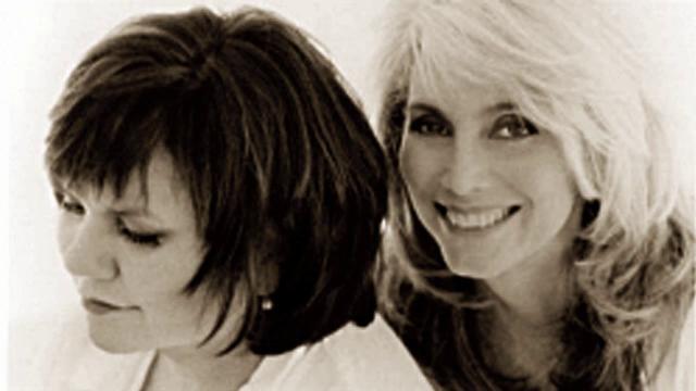 Linda Ronstadt & Emmylou Harris - 1917