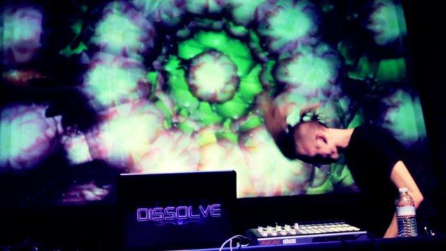 DISSOLVE (live)