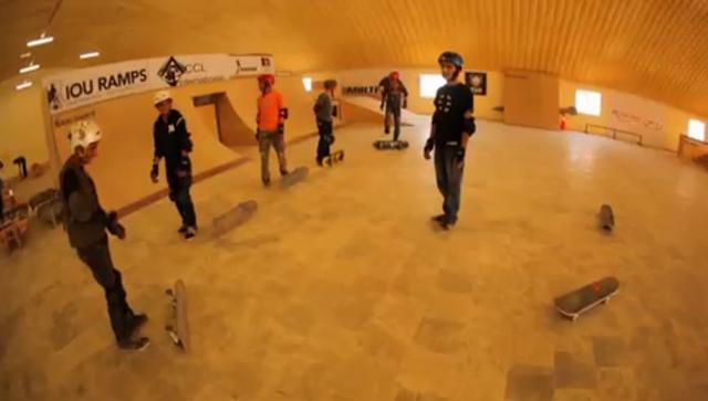 Skateistan kids vid presents Hamed